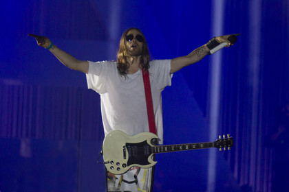 Die Jared Leto Show mit Luftballons - Fotos: Thirty Seconds To Mars live in der Schleyerhalle Stuttgart